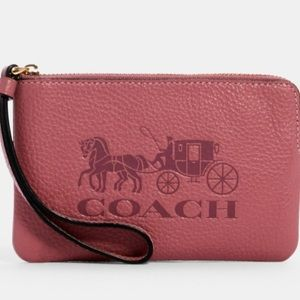 COACH CORNER ZIP WRISTLETWITH HORSE & CARRIAGE